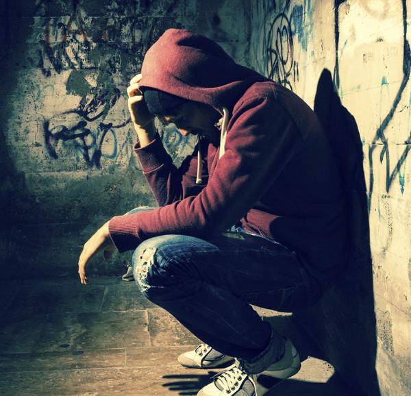 Plan de prevención del suicidio entre gente joven, Estados Unidos lo propone, en un país en donde ésta es la segunda causa de muerte.