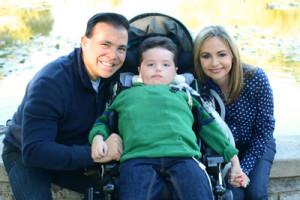 Arturito con sus padres