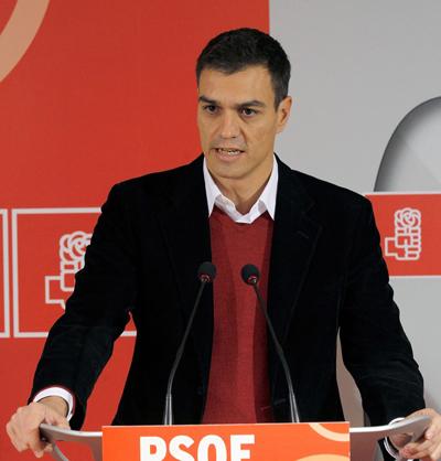Maternidad subrogada. Pedro Sánchez, Secretario General del PSOE en España, se posiciona en contra por considerarla una mecantilización de la mujer.