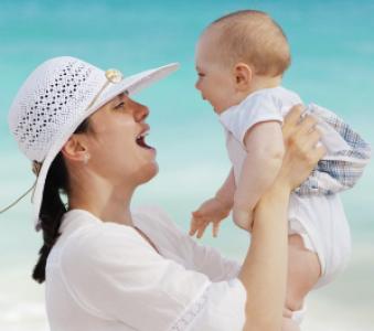 La educación  y la maternidad protegen a las adolescentes de posibles embarazos