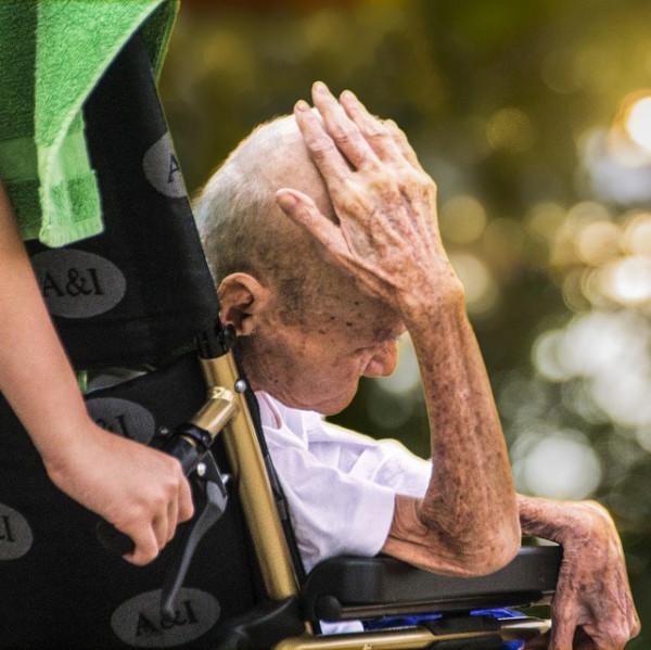 Eutanasia involuntaria en Holanda. Estudio revela que más de 400 de sus ciudadanos perdieron la vida por la eutanasia sin pedirlo.
