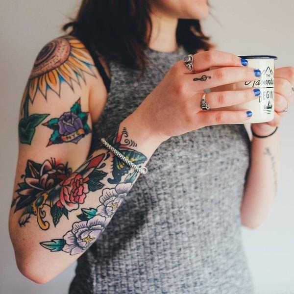 Un reciente estudio ha demostrado que los pigmentos utilizados en los tatuajes pueden ser dañinos para la salud de una manera muy importante.