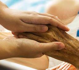 La mejor solución ética a los problemas graves de salud del final de la vida son los cuidados paliativos y no la eutanasia.