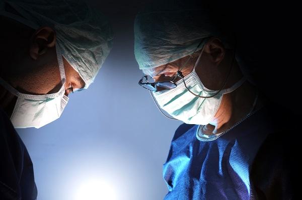 Trasplante de útero entre vivos. Reflexión clínica y ética