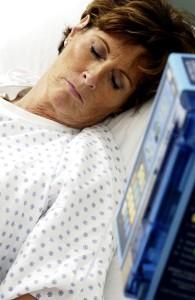 Una mujer en estado de muerte cerebral da a luz a su hijo por cesárea