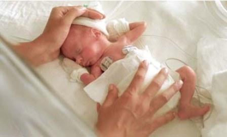 Niños extremadamente prematuros - evaluación de su supervivencia. Distintas pautas terapéuticas en los distintos hospitales dieron resultados muy diferentes