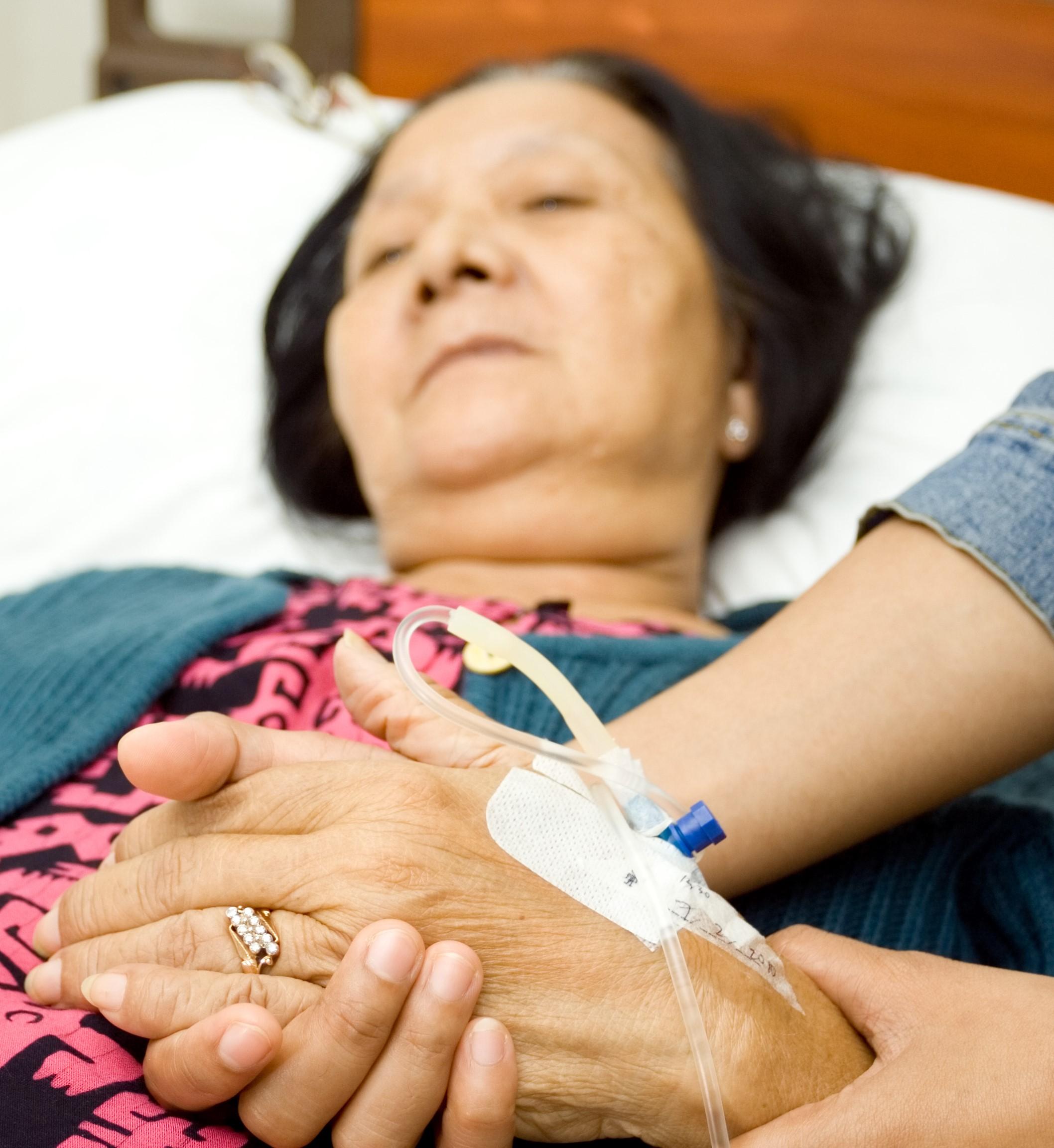 ¿cómo damos a la gente una atención que aúne estas dos formas de cuidados paliativos?