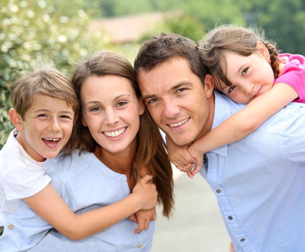 Según Harvard, se es más feliz en familia