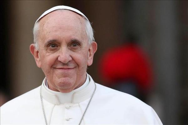 """El papa ante los medicos condena la eutanasia y denuncia a quienes «se escudan en una supuesta compasión para justificar y aprobar la muerte de un enfermo"""""""