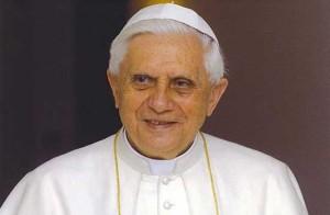 """Benedicto XVI, hoy papa émerito, también respalda una """"ecología humana"""". Respetar al ser humano como hombre y mujerbenedicto"""