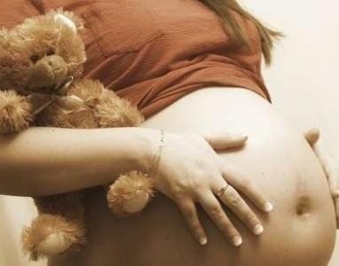 Disminuyen los embarazos de adolescentes en Inglaterra