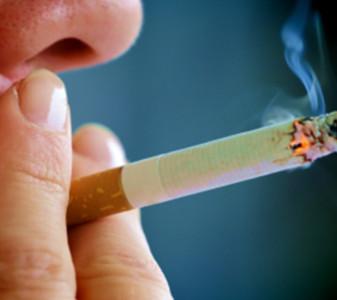 Gobierno del Reino Unido ha decidido no operar a obesos y fumadores