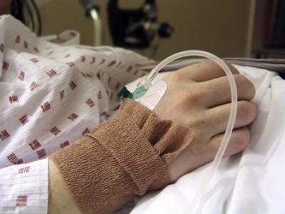 Estado vegetativo permanente. ¿Se puede retirar la hidratación y la alimentación a estos pacientes?
