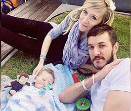 Charlie Gard y su familia reciben la residencia legal y permanente en los EEUU para poder recicir el tratamiento experimental que demandan sus padres