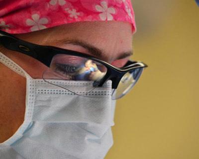 Bioética en las Facultades de medicina. Un tema importante es conocer cómo se enseña y consecuentemente el nivel de conocimiento bioético de los médicos