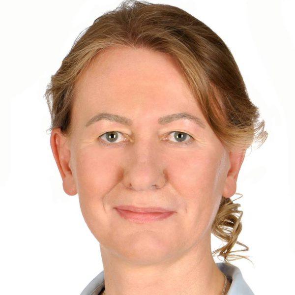 Libertad de conciencia. Una doctora noruega es readmitida tras su despido por negarse a insertar DIU por su posible efecto abortivo.