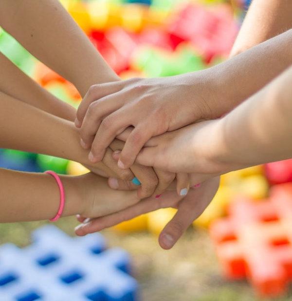 Transexualidad en España. Se aprueba que niños transexuales puedan cambiar de nombre y se inscriban en el Registro Civil.