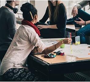 Anticonceptivos y contraceptivos. Un grupo de alumnos de la Universidad Católica de Notre Dame se muestra contrario a que se ofrezca a los trabajadores de dicha Universidad medicamentos contraceptivos
