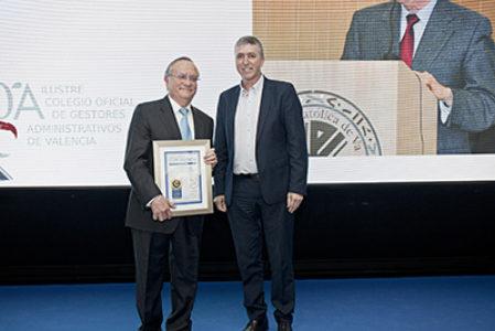 Justo Aznar, Director del Instituto Ciencias de la Vida de la UCV, premio educación Cope Valencia