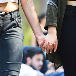 El Gobierno socialista quiere recuperar la reproducción asistida gratuita para lesbianas y mujeres solas