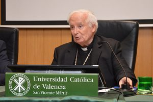 https://www.observatoriobioetica.org/wp-content/uploads/2019/03/cardenal1-300x200.jpg