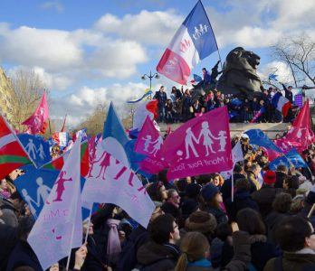 Francia pretende legalizar el acceso a las fecundaciones in vitro de mujeres lesbianas