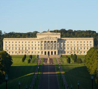 Londres impone el aborto en Irlanda del Norte