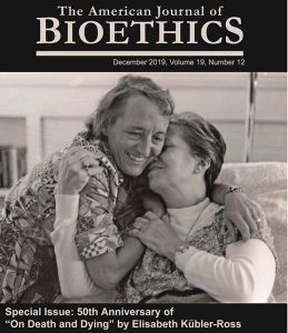 Un número especial sobre el final de la vida en The American Journal of Bioethics