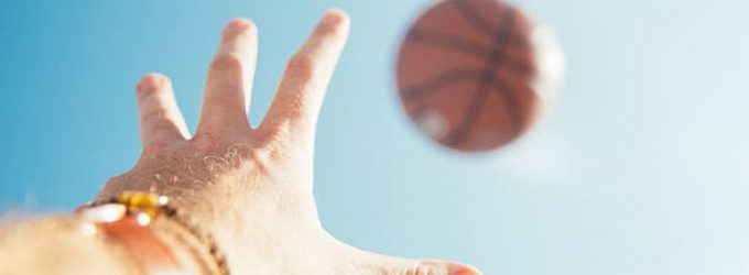 Un estudio patrocinado por la OMS concluye que los jóvenes hacen poco deporte