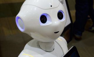 ¿Podrían tener responsabilidades morales las máquinas producidas por el hombre?