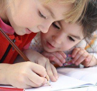 Las escuelas inglesas mantienen un escaso contagio de la Covid-19