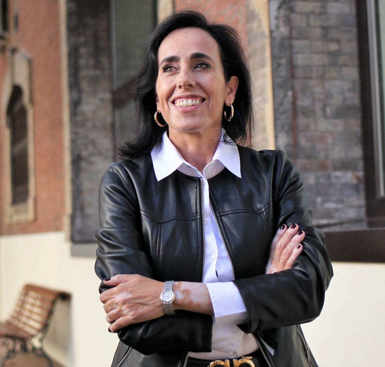 """Elena Postigo: """"Desconocemos cuáles pueden ser las consecuencias a medio y largo plazo de la edición genética"""""""