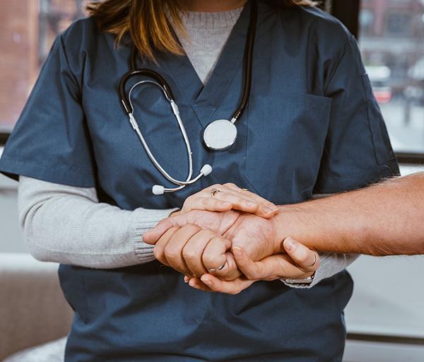 Los médicos reclaman una regulación de la objeción de conciencia frente a la eutanasia