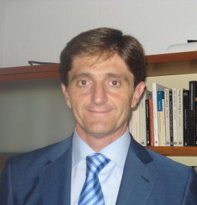 Vicente Bellver, miembro del Comité Nacional de Bioética: sería más razonable crear un registro de médicos dispuestos a practicar la eutanasia que de objetores a la misma